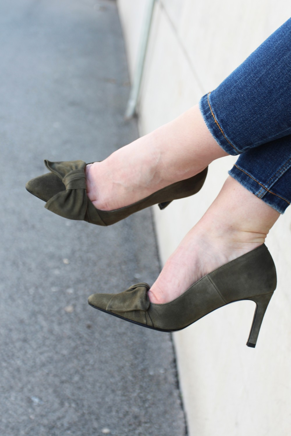 Custommade Martine Bow Pumps Olive
